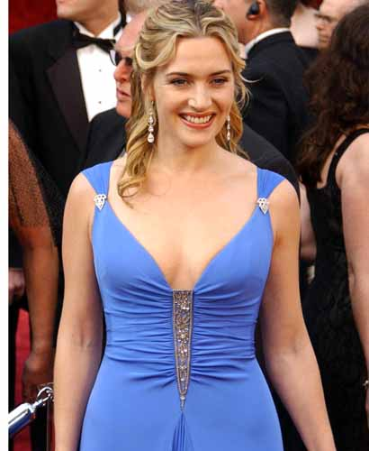 Hot Photo of Kate Winslet wearing a beautiful blue dress